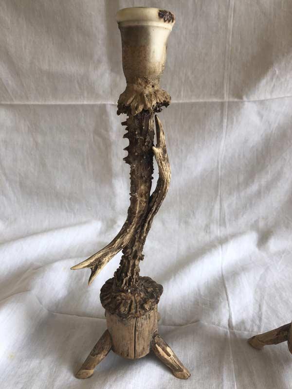 Bougeoir avec tête de cervidé en bois