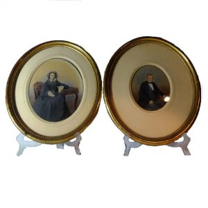 Paire de photographies cadres ovales dorés
